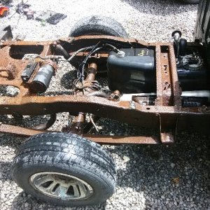 ranger fuel pump bed off.jpg