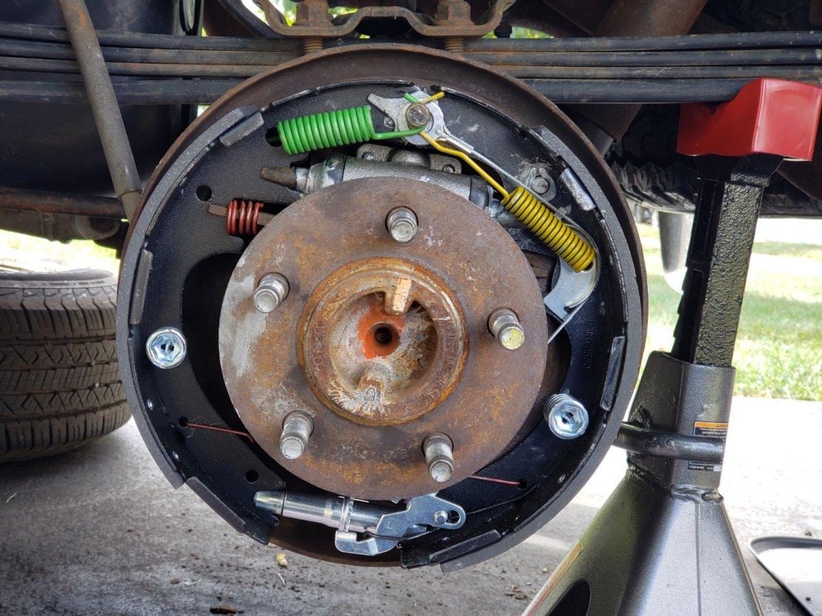20191005_130944 1999 Ranger Left Rear Brake after.jpg