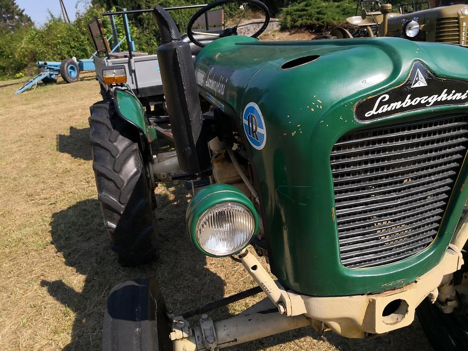 tractor-3669755_960_720.jpg