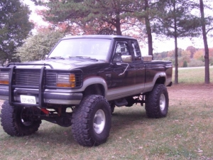 1990 extended cab 6 skyjacker lift with 2 f150 spacers in front and belltech shackles in rears on 36x145x15 for now - Lifted 1992 Ford Ranger